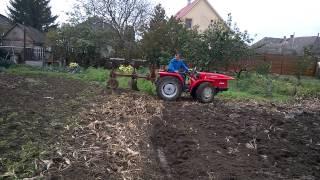 Kukoricaföld szántása Antonio Carraro Tigre 4300-zal