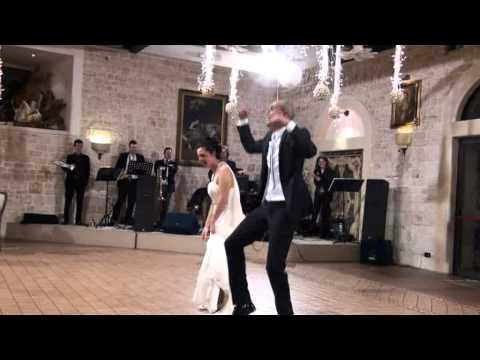Anna e Antonio sposi - primo ballo divertente
