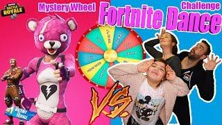 Mystery Wheel FORTNITE Dance CHALLENGE Sverige /svenska med Familjen. Hela Familjen Dansar