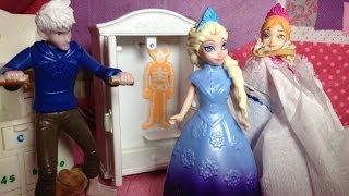 FROZEN Disney Elsa Gets Scared by Princess Anna and Jack Frost a Frozen Toys Movie Parody