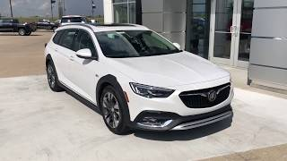 2018 Buick Regal Walkaround/Overview - (T19318)