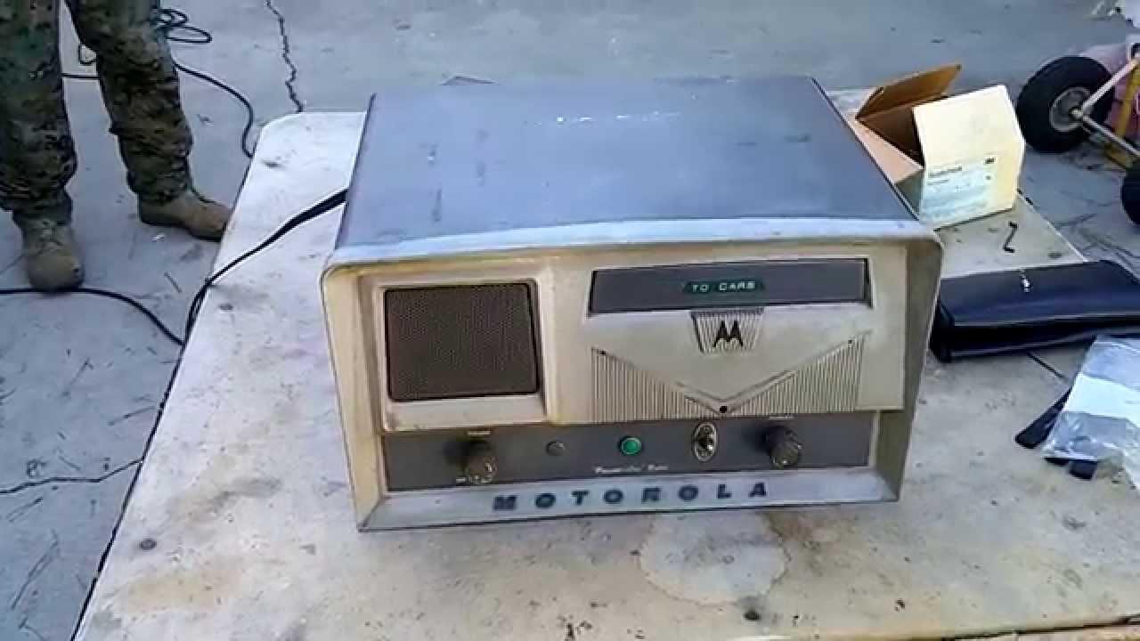 Vintage 1966 Motorola L43GGB base station