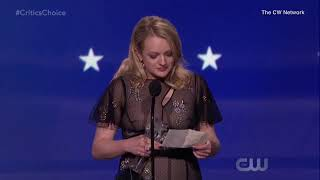 Elizabeth Moss dedicates her Critics' Choice Award to her crew