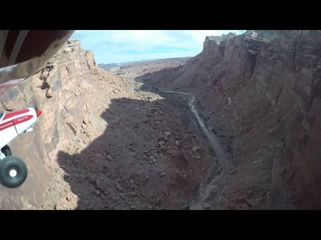 Hidden Splendor airstrip canyon approach