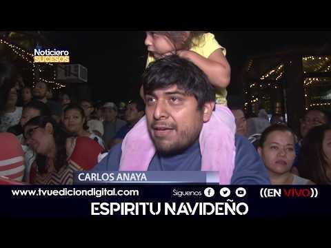 El arbol navideño mas grande de Centro America es iluminado en San Salvador