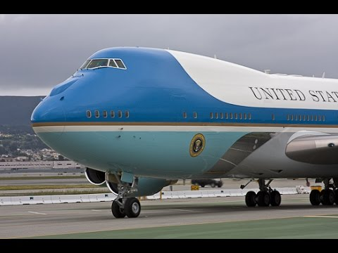 air force one next to russian cargo plane 360 degree tour. Black Bedroom Furniture Sets. Home Design Ideas