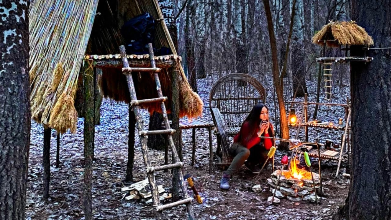 Solo bushcraft : amazing camp building, campfire cooking, camping spring day, girl in the woods