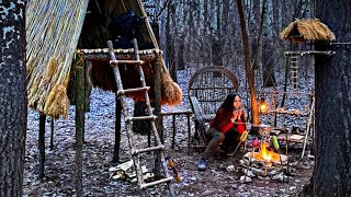 Solo bushcraft : amażing camp building, campfire cooking, camping spring day, girl in the woods