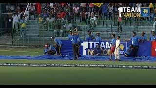 Ground boys take two magnificent catches during SL vs England series