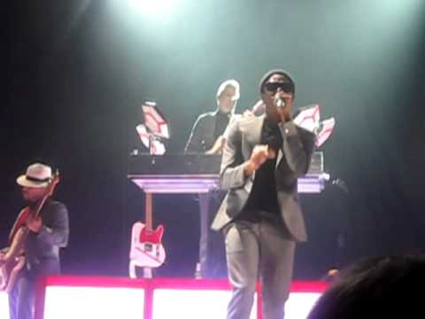 Mark Ronson & The Business Intl - Lose It (In The End) (Hackney Empire)