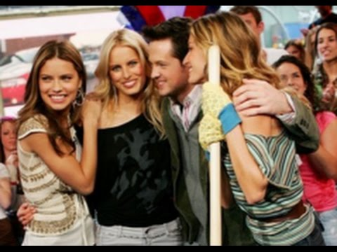 MTV TRL with Gisele Bundchen and Karolina Kurkova May 10, 2006