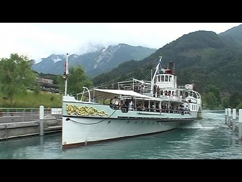 Cruise with the Blumlisalp paddle steamer