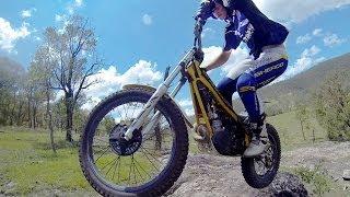 HOW TO FRONT WHEEL HOP A TRIALS BIKE moto-trials training techniques