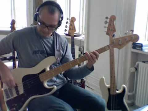 East River - Brecker Brothers - Bass play along