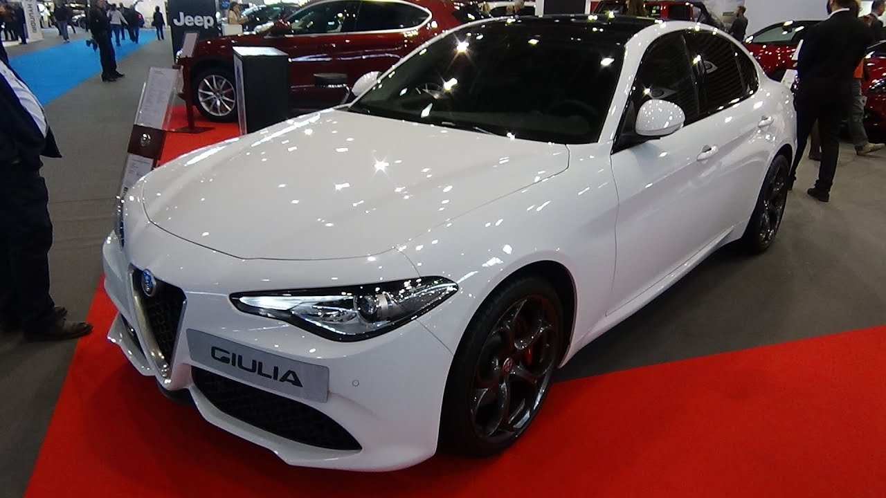 2018 alfa romeo giulia 2 2 180 sport at8 exterior and interior salon automobile lyon 2017. Black Bedroom Furniture Sets. Home Design Ideas