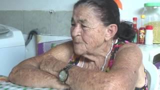 Idosa de oitenta anos afirma que mamou em peito de cabra para sobreviver