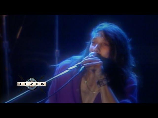 TESLA - Comin' Atcha Live / Truckin' (Five Man Video Band)