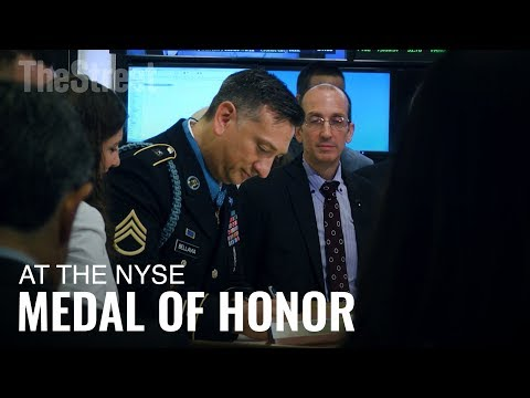 Medal of Honor Recipient David Bellavia Visits the Floor of the NYSE