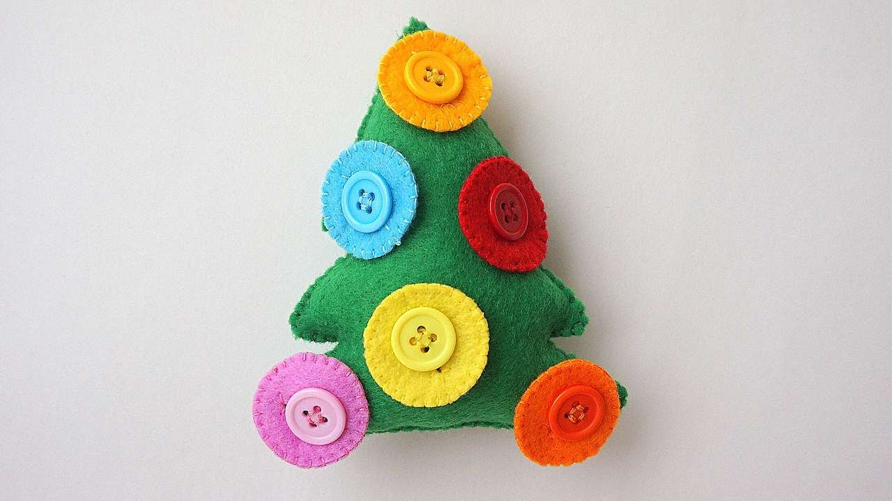 How to make a Christmas tree toy 76