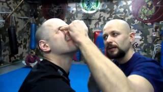 Приемы самообороны. Видео урок от Алексея Маматова.(БЕСПЛАТНЫЙ курс по самообороне от Алексея Маматова: http://bit.ly/1dEBiJk забирайте!, 2014-01-10T11:44:25.000Z)
