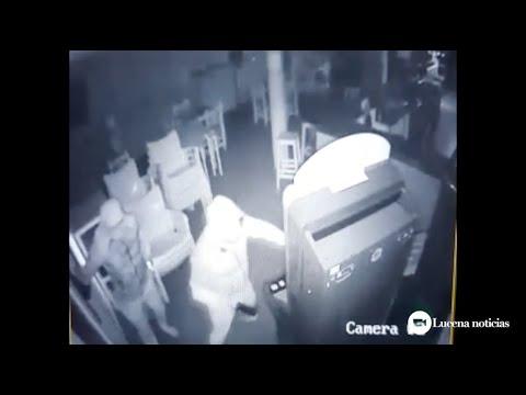 VÍDEO: La secuencia completa del robo en el Bar Puerta de la Mina de Lucena