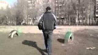 Пьяный Бомж-алкаш санек и его обоссаный брат виталька
