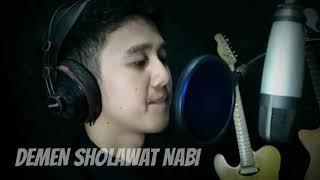 Merdu Banget !! Pemuda Indonesia Nyanyi Lagu Arab yang Bikin Baper