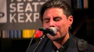 Low Roar - Just A Habit (Live on KEXP)
