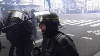 Marée Populaire : Un français excédé par la vermine remercie Mélenchon. Paris/France - 26 Mai 2018