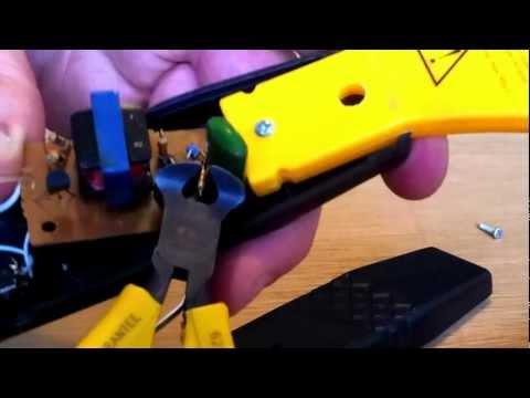 power mod your Electronic Bug Zapper Racket howto - YouTube
