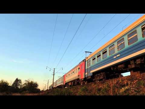 ЭД9М-0051 с пригородным поездом Ижевск-Кизнер