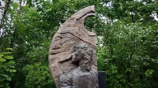 . Санкт-Петербург. Могила Виктора Цоя на Богословском кладбище (группа Кино)