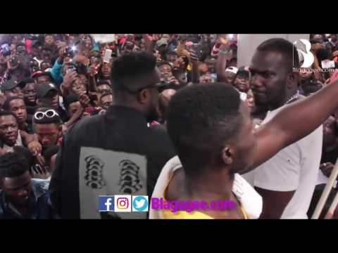 Sarkodie's HIGHEST Album Autograph Plus All Stars Performance
