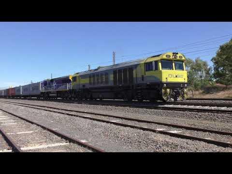 Australian Trains - Freight Trains & Passenger Trains at Somerton Roxburgh Park Melbourne