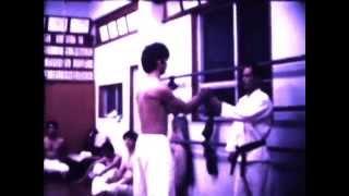 Уэчи рю Каратэ до -  старое видео - 1978(Из истории школы. В этом ролике можно увидеть двух мастеров у которых учился Сенага Сенсей - наш учитель..., 2014-12-11T09:21:25.000Z)