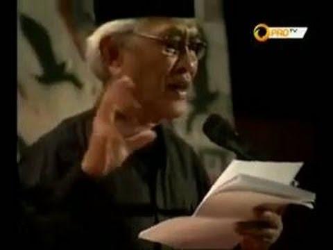 Puisi Mustofa Bisri: Di Negeri Amplop