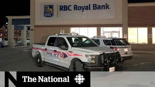 3 teenagers arrested after violent, armed bank robbery