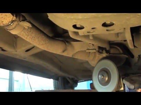 Ремонт глушителя (замена прогнившего участка трубы на новый на автомобиле Subaru)