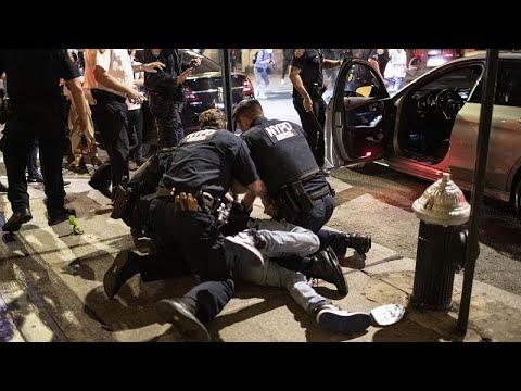 شاهد.. احتجاجات في نيورورك ومساع للحفاظ على سلميتها