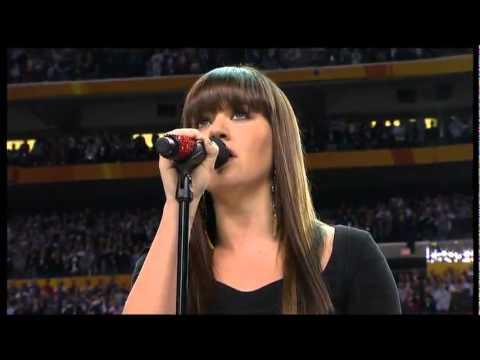 Kelly Clarkson and Husband Brandon Blackstock Love Story