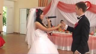 Поёт невеста