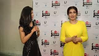 interviewing Raveena tandon at flimfare Red Carpet