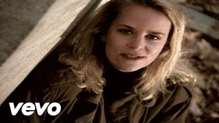 Watch Mary Chapin Carpenter Passionate Kisses video