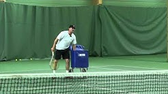 Riku Suokas pelaa tennistä Veli Paloheimon kanssa