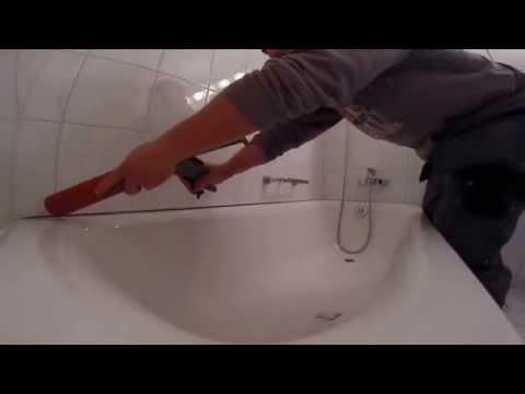 Come aggiustare il silicone di una vasca da bagno - Come sbiancare la vasca da bagno ...