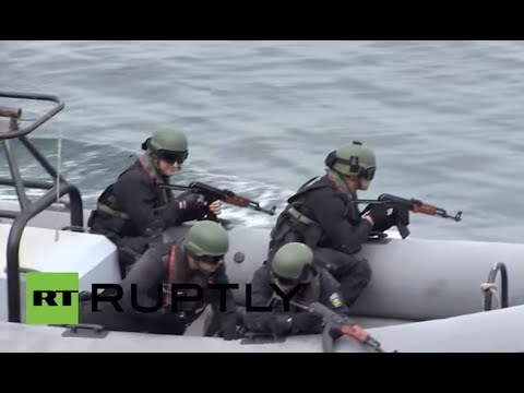 Bulgaria: Bulgarian PM Borissov oversees naval drills to counter refugee influx