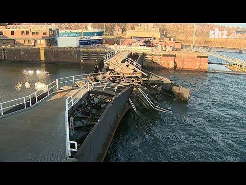 Schiffsunfall in Kiel Holtenau: Totalschaden an Schleuse