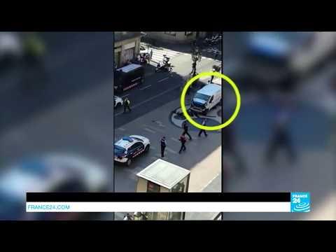 En IMAGES : Au moins 13 morts dans un attentat terroriste à Barcelone