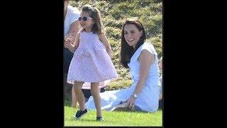 Totální klon lady Diany: Princezna Charlotte jako by babičce z oka vypadla!
