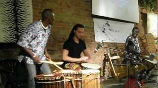 Zam Mosutapha Dembélé ospite di Cadoo Africa - Dun dun